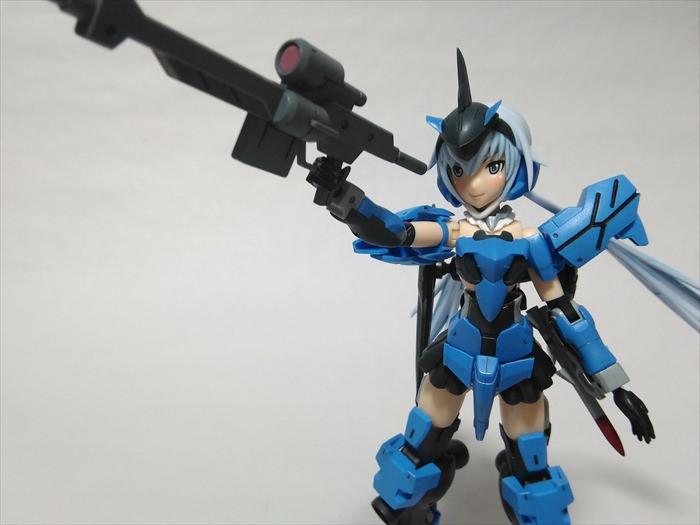 武器を持つ改造スティレット