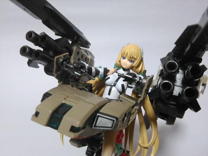 ブリッツガンナーを操縦するアンジェラ