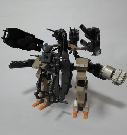 M.S.Gや輝鎚・甲のパーツを組み合わせて作ったロボ