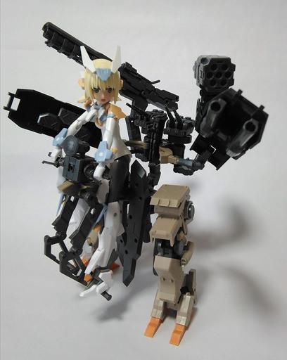 ロボの武装をロケットランチャーに変更した
