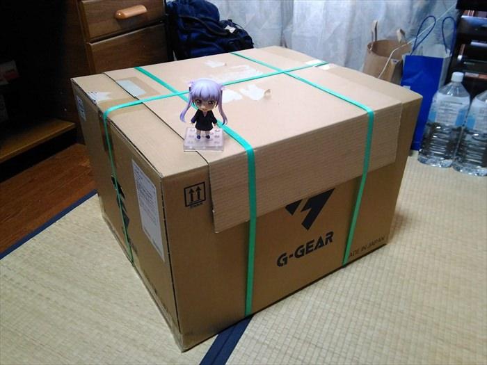 ゲーミングPCが入ってた箱