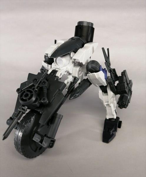 キャノンバイクのパーツを使ってカスタマイズした無人兵器